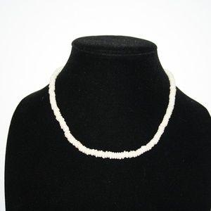"Vintage Jewelry - Vintage white stone necklace 17"""